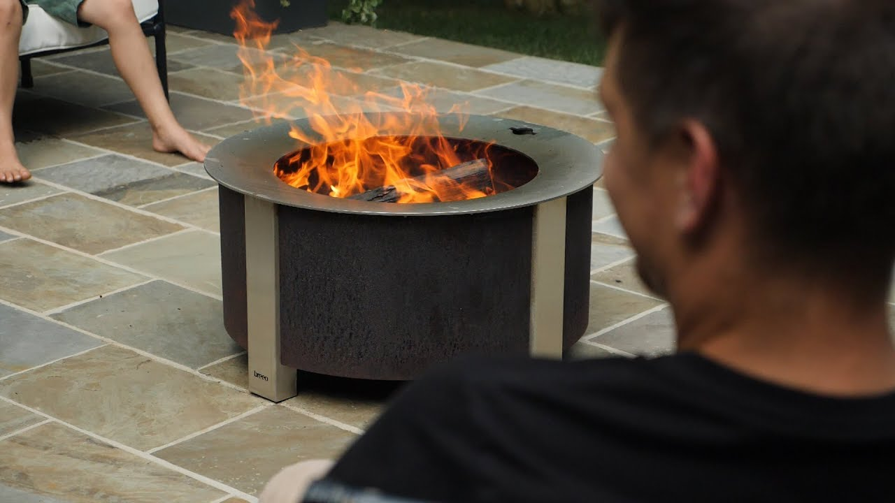 How does a smokeless fire pit work?